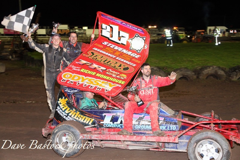 FAIRHURST FORCES HIS WAY INTO CONTENTION WITH BELLE VUE